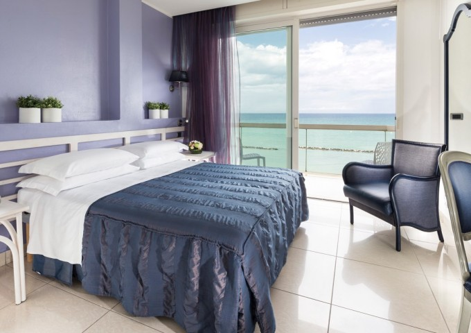 Junior Suite con balcone fronte mare