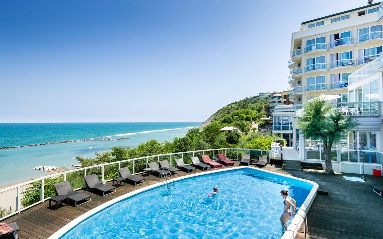 Hotel con piscina a Gabicce Mare - Hotel Sans Souci